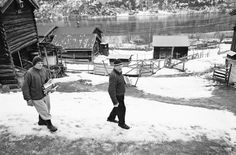 Elin Høyland befriended these two hermit-like elderly brothers, and documented their lives over many years in their small hamlet in rural Norway