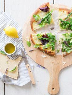 Pizza blanche, crème d'artichaut et asperges vertes | #Cuisine #Food #Pizza