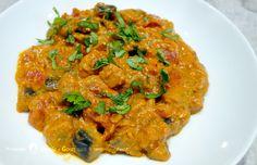 Le curry d'aubergines est un plat indien. Les aubergines alliées aux épices et à la douceur de la coco font de ce plat une recette sensuelle et savoureuse.