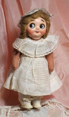 "GERMAN MASKFACE GOOGLY DOLL. 10 ½"". Composition mask : Lot 270A"