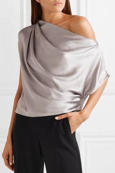 Michelle Mason - One-shoulder draped silk-charmeuse top Satin Top, Silk Top, Grey Outfit, One Shoulder Tops, Silk Charmeuse, Blouse Outfit, Draped Dress, Mode Inspiration, Chic Outfits