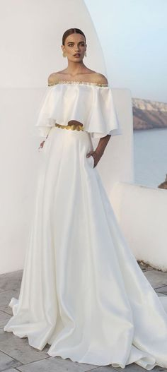 Julie Vino 2016 – Santorini Collection Wedding Dress by Julie Vino – Santorini Collection 2016 – Belle The Magazine 2016 Wedding Dresses, Bridal Dresses, Wedding Gowns, Bridesmaid Dresses, Prom Dresses, Bridal Collection, Dress Collection, Jolie Lingerie, White Fashion