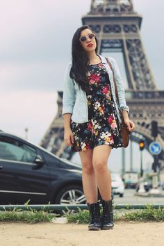 Viagem: uma tarde cinza na Torre Eiffel