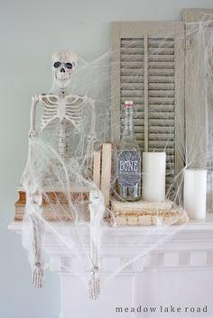 Spooky Halloween mantel decorating ideas   www.meadowlakeroad.com