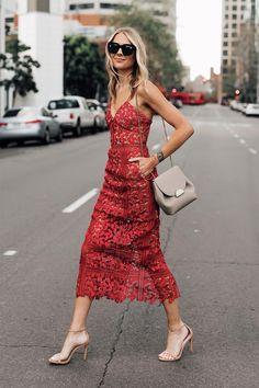 Fashion Jackson Wearing Self Portrait Red Lace Midi Dress Source by nioumiconseil hochzeitsgast Look Fashion, Spring Fashion, Dress Fashion, Brunch Dress, Moda Do Momento, What To Wear To A Wedding, Self Portrait Dress, Fashion Jackson, Lace Midi Dress