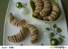 Slepované vlašské rohlíčky recept - TopRecepty.cz Graham Crackers, Cookies, Food, Christmas, Crack Crackers, Biscuits, Essen, Meals, Cookie Recipes