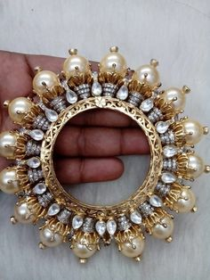 We've Brainstormed, You Benefit: The Best Jewelry Advice Is Here Bridal Bangles, Gold Bangles, Bridal Jewelry, Silver Bracelets, Silver Rings, Armband Rosegold, Gold Armband, Antique Jewellery Designs, Jewelry Design