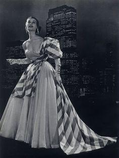 Schiaparelli 1953  Evening Gown, Photo Pottier