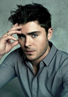 zac efron (once a guy asked me who I liked and I just said zac efron because I didn't want to actually tell him who I liked at school and he didn't know who zac efron was and thought I was serious! Who doesn't know zac efron! Male Actors Under 30, Actors Male, Hollywood Male Actors, Flaunt Magazine, Hommes Sexy, Attractive Men, Famous Faces, Famous Guys, Bodybuilder
