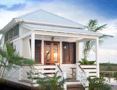 Ways to Get Your Home in a Summer Mood photos) (Houzz) Cottage with veranda and stairs, leading guests directly to entrance.Cottage with veranda and stairs, leading guests directly to entrance. Beach Cottage Style, Coastal Cottage, Coastal Homes, Beach House Decor, Home Decor, Coastal Decor, Coastal Style, Modern Cottage, Beach Homes