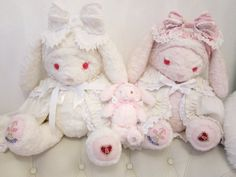 terrayla Cute Plush, Creepy Cute, Cute Toys, Pink Aesthetic, Aesthetic Photo, Sanrio, Plushies, Vintage Toys, Decoration