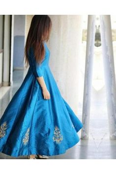 Dressing well is a form of your personality, so explore same by wearing this blue silk gown. Ethinic Wear, Ethnic Gown, Aqua Color, Colour, Nice Dresses, Formal Dresses, Silk Gown, Gowns Online, Designer Gowns