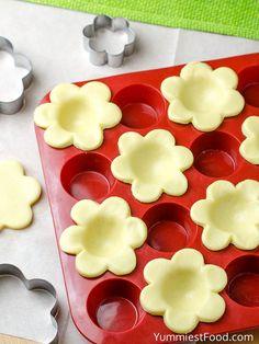 Easter Mini Lemon Tarts - Recipe from Yummiest Food Cookbook Lemon Desserts, Mini Desserts, Easy Desserts, Dessert Recipes, Plated Desserts, Easter Cupcakes, Easter Cookies, Easter Treats, Lemon Cupcakes