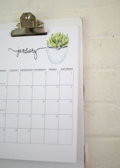 I am so excited to be sharing with you this free 2018 printable calendar featuring pretty succulent flowers and large calendar squares for writing 2018 Printable Calendar, Free Printable Calendar, 2019 Calendar, Printable Planner, Free Printables, Diy Calendar, Office Calendar, Planner Bullet Journal, Calendrier Diy