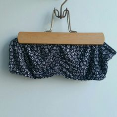 Brandy Melville floral bandeau Great condition Brandy Melville Intimates & Sleepwear Bandeaus