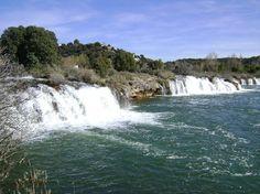 El Parque Natural de las Lagunas de Ruidera es un espacio natural protegido situado en la comunidad autónoma de Castilla-La Mancha, España.  Forman el Parque Natural un conjunto de quince remansos fluviales, de gran belleza, a lo largo del valle del río Pinilla o Guadiana Viejo, separados y conectados entre sí por barreras de formación tobácea o travertino.