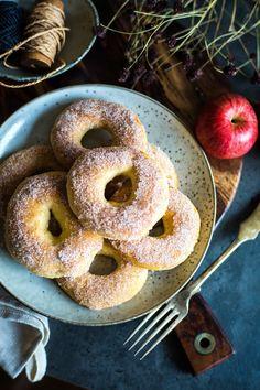 S vášní pro jídlo: Pečené donuty s jablky No Bake Pies, Bagel, Donuts, Food And Drink, Bread, Baking, Recipes, Frost Donuts, Beignets