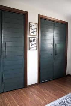 Love this DIY project from Bright Green Door! Shiplap forest green closet doors. So good.