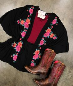 Clothing Archives - Page 10 of 20 - Ale Accessories Cute Country Outfits, Country Girls, Cute Outfits, Southern Outfits, Kimono Fashion, Fashion Outfits, Western Wear, Western Style, Cowgirl Outfits