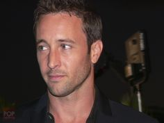 Hawaii Five0 Sunset on the Beach 2 9/10/11.. such great memories!! He looks even better in person!