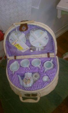 Little girl's tea set