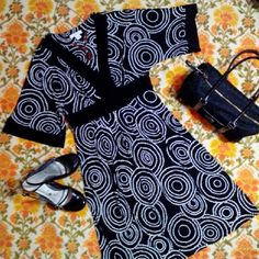DRESS BARN BLACK & WHITE DRESS Easy to wear comfortable black with white design knit dress, kimono type design, v neckline. Career and casual. 95% Polyester 5% Spandex Machine wash Tumble dry like new condition Dress Barn Dresses