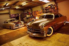 Hot rods Hot rods and Custom cars. Sometimes classic cars but mostly early hotrods and rat rods or custom cars like lowriders. Vintage Cars, Antique Cars, Cool Garages, Us Cars, Dream Garage, Shoe Box, Custom Cars, Rats, Hot Rods