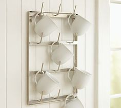 Really, seriously want this...I don't have enough space for all the mugs I have and still need more of <3