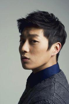 Yoon Du-jun Sticks Out his Kissable Lips Korean Celebrities, Korean Actors, Asian Men Fashion, Yoon Doo Joon, Yoseob, Asian Hair, Korean Men, Yoona, Pop Group