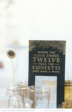 Happy New Year! New Year's Party Ideas:: Decorations and invitations for New Years Eve / black event ideas New Years Wedding, New Years Eve Weddings, New Years Party, Wedding Dj, Wedding Reception, Wedding Ideas, Nye Party, Party Time, Party Summer