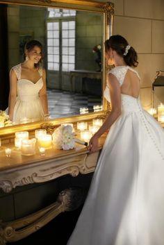 41 Charming Keyhole Back Wedding Dresses | Weddingomania love that style of keyhole back wedding dress!