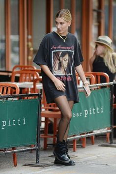 Hailey Baldwin Graphic Tee Outfit How to Style an oversized graphic tee as dress Source by stylereportmag outfits Shirtdress Outfit, Dress Outfits, Fashion Outfits, Casual Outfits, Urban Outfits, Girly Outfits, Grunge Outfits, Shirt Outfit, Fashion Trends