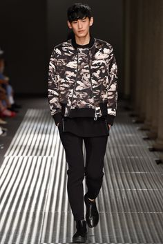Neil Barrett Spring 2015 Menswear Fashion Show