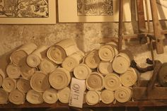 Tele di lino da stampare. Santarcangelo di Romagna Il Mangano. Antica stamperia artigiana. #artigianato #stampasutela #Oldclothprinting #santarcangelo