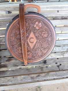 Hand made leather rope can by Elite saddles, tioga texas