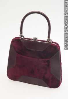 Purse  About 1880, 19th century  Silk velvet, leather and metal fastener  Gift of Mrs. G. Bayly  M986.3.4  © McCord Museum
