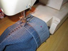 Boa tarde! :) Hoje vim compartilhar com vocês o passo a passo de como fazer uma barra de calça super fácil e rápida. Uma a...