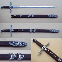 Assassin's Creed Sword & Sheath of Altair Fantasy Blade, Fantasy Sword, Fantasy Weapons, Swords And Daggers, Knives And Swords, Assassin's Creed Hidden Blade, Sword Sheath, Assassins Creed Series, Armas Ninja