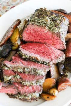 Rosemary and Garlic Beef Top Round Roast with Roasted Potatoes // by MALCOLM BEDELL // More wonderful flavors