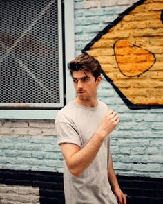 Since the formation of the group in The Chainsmokers has come up with a studio album for the first time in April of this year. Andrew Taggart, The Chainsmokers Wallpaper, Sam Kolder, Sick Boy, Boy Photography Poses, Book People, Calvin Harris, Liam Hemsworth, Hollywood Celebrities
