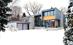 Thorncrest House Winter House Incorporating Distinctive Blue Zinc Cladding by Altius Architecture Zinc Cladding, Architecture Résidentielle, Casas Containers, Modern House Design, Contemporary Design, Cabana, Exterior Design, Grey Exterior, Modern Exterior