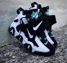 Nike air trainer teal white black - Hook Tutorial and Ideas Cute Sneakers, Best Sneakers, Sneakers Fashion, Sneakers Nike, Winter Sneakers, Sneakers Design, Air Jordan Sneakers, Black Sneakers, Jordan Shoes Girls