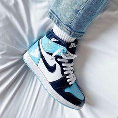 Air Jordan 1 Unc, Jordan 1 Blue, Jordan 1 Retro High, Jordan 1 Mid, All Nike Shoes, Hype Shoes, Sneakers Nike, Jordan Sneakers, Womens Jordans Shoes