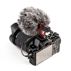On-Camera Microphone for Smartphone or Canon/DSLR - Video Tech Gadgets Camera Mic, Canon Dslr Camera, Dslr Cameras, Video Camera, Best Vlogging Camera, Smartphone, Accessoires Iphone, Vintage Cameras, Camera Gear