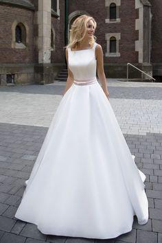 Robe de mariée élégante – Création Robine (devant)
