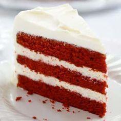 Receta fácil Red Velvet Cake. Aprende cómo preparar el pastel Red Velvet paso a paso con esta receta casera. Recetas de pasteles fáciles y caseros.