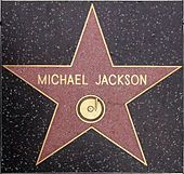 Michael Jackson - he has 2 stars on the Hollywood walk of fame, one for himself and one for the Jackson 5 Jackson Family, Jackson 5, Paris Jackson, Lisa Marie Presley, Hollywood Walk Of Fame, Hollywood Stars, Hollywood Sign, Michael Jackson Fotos, Michael Jackson Funny