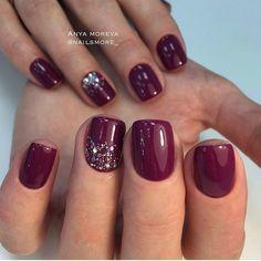 Semi-permanent varnish, false nails, patches: which manicure to choose? - My Nails Fall Nail Trends, Nagel Hacks, Nagellack Trends, Dipped Nails, Burgundy Nails, Powder Nails, Nagel Gel, Holiday Nails, Christmas Nails Colors