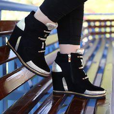 Siyah Klasik Bot - Ayakkabı Çanta Dükkanı Wedges, Boots, Fashion, Crotch Boots, Moda, Fashion Styles, Shoe Boot, Fashion Illustrations, Wedge
