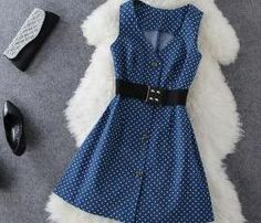 retro polka dot dress...maybe if i had some reallllly sexy black heels with it....